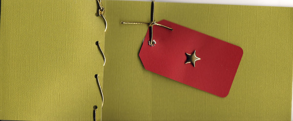032 - Star, red present tag