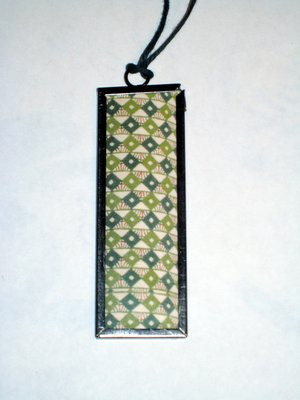 014 B - Green diamond pattern