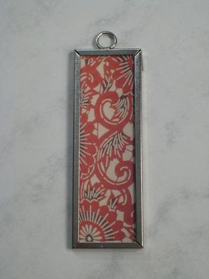 008 A - Red floral design